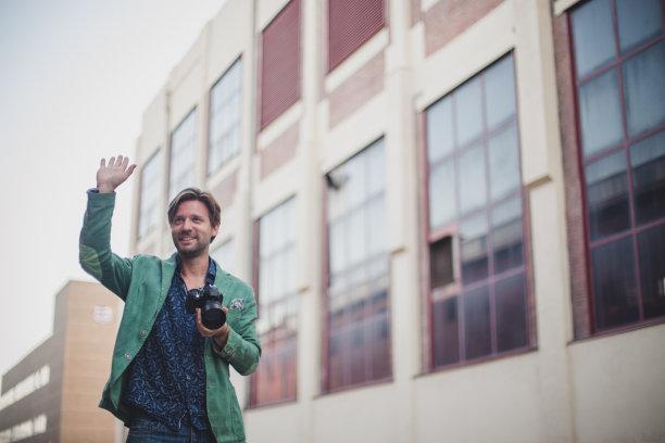 幸福,留白,四肢,新闻记者,举起手,男性,仅男人,仅成年人,现代,相机