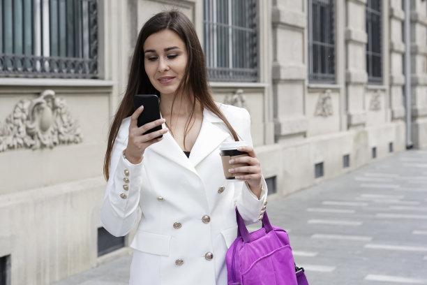 女商人,伦敦城,半身像,电子邮件,经理,仅成年人,青年人,白色,专业人员,技术