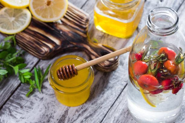注入水,蜂蜜,蔷薇果,水,水平画幅,高视角,配方,家庭生活,维生素,饮料
