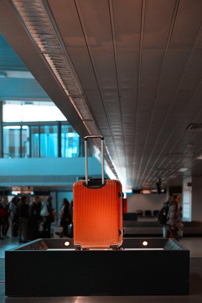 行李,里面,机场,垂直画幅,休闲活动,无人,商业金融和工业,彩色图片,机场出发区,一个物体