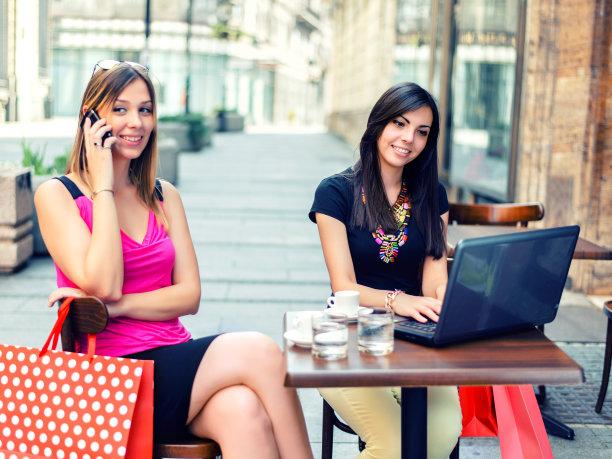 咖啡,时间,咖啡店,电子邮件,电子商务,饮料,仅成年人,网上冲浪,青年人,在家购物