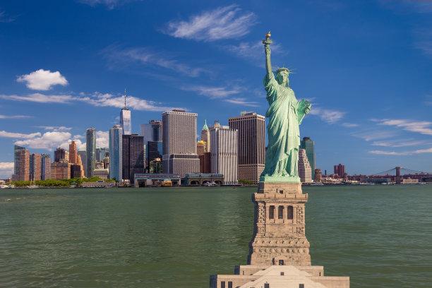 纽约港,布鲁克林桥,自由女神像,曼哈顿金融区,水,纽约,蓝色,城市天际线,天空,自由州立公园