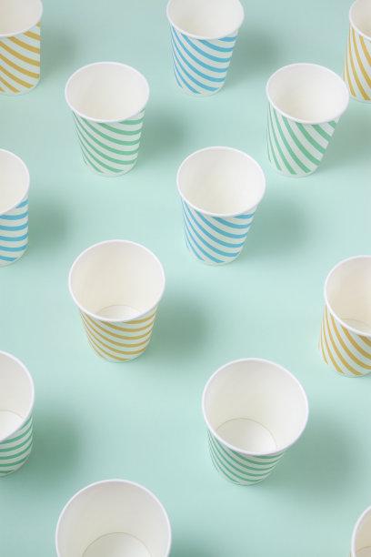 空的,玻璃杯,纸,垂直画幅,艺术,波普风,无人,组物体,一次性杯子,彩色背景