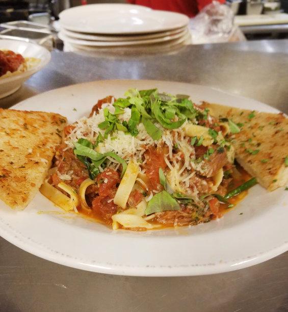 肉丸,意大利细面条,垂直画幅,饮食,美国,无人,意大利番茄牛肉面,商业厨房,盘子,面包