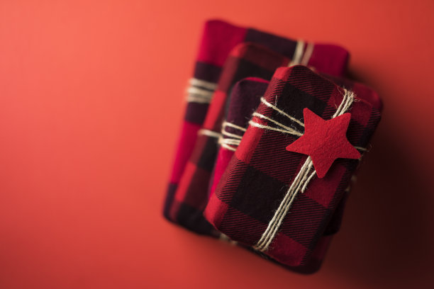 黑色,红色,包装纸,格子图案,红色背景,水平画幅,高视角,纺织品,圣诞礼物
