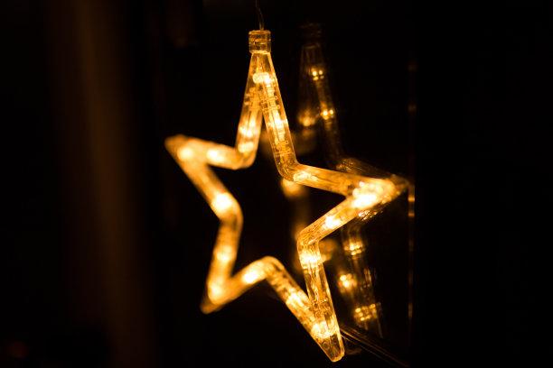 星星,夜晚,圣诞装饰物,霓虹灯,路灯,汽车,有轨电车,就寝时间,水平画幅