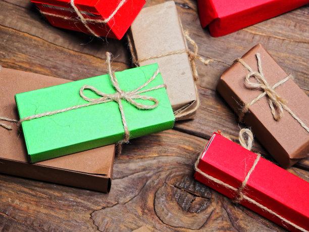 包装纸,褐色,牛皮纸,水平画幅,绿色,无人,硬木地板,新年,木制