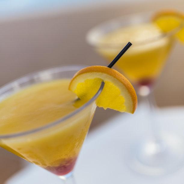 鸡尾酒,两个物体,精神振作,朗姆酒,芒果,果汁,拿骚,无人,醉樱桃,游泳池