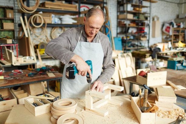 电动螺丝起子,手艺,忙碌,职权,电动工具,洞,水平画幅,工作场所,钻孔机,家具