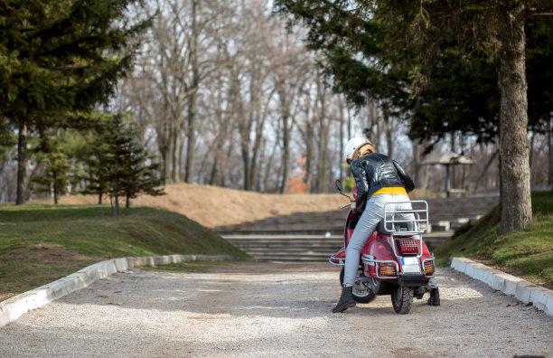 小型摩托车,女孩,水平画幅,古老的,过去,复古风格,成年的,塞尔维亚,儿童,发动机