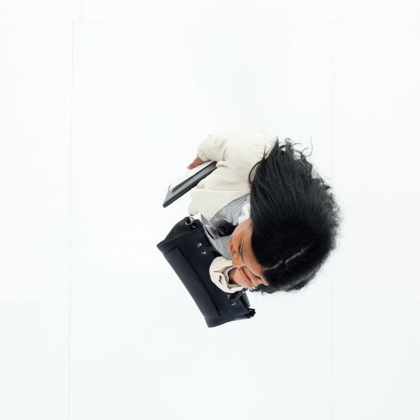高视角,女商人,电子邮件,黑发,巴西人,经理,仅成年人,长发,青年人,专业人员