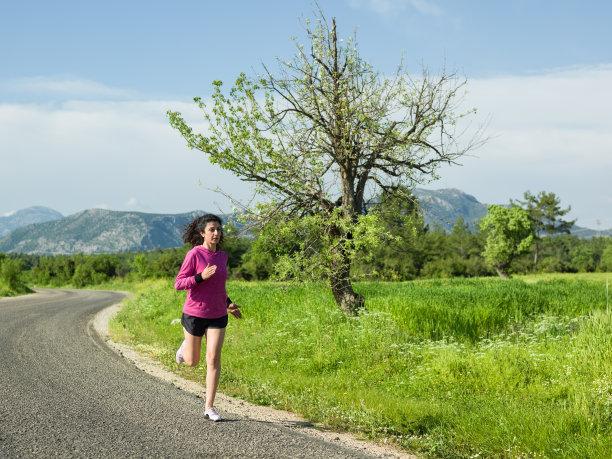 女人,成年的,自然,自然美,慢跑,春天,天空,夏天,草,仅成年人