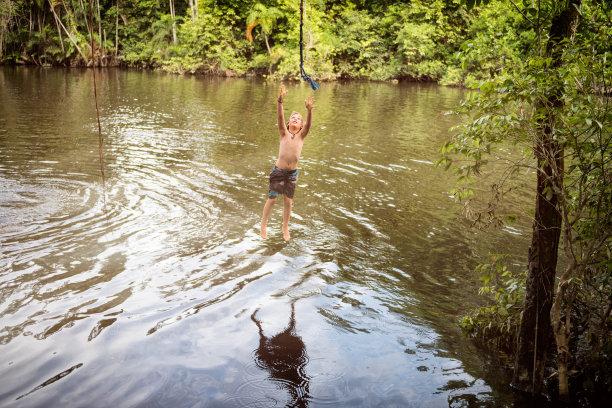 绳索秋千,亚马逊河,儿童,无忧无虑,南美,休闲活动,夏天,湖,运动,热带气候