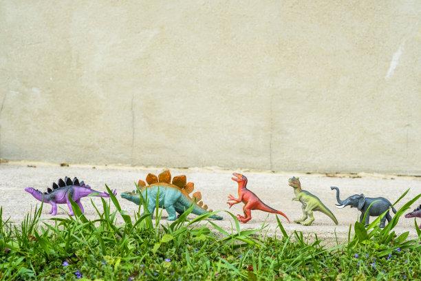 恐龙,人行道,玩具,多色的,明亮,留白,水平画幅,进行中,无人,户外