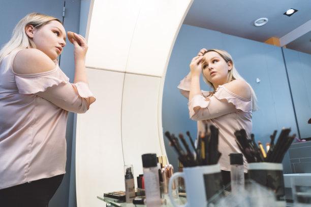 美,彩妆,里面,舞台妆,仅女人,仅一个女人,卫生,仪式妆,生活方式