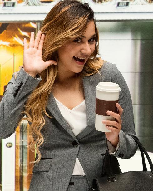 女商人,垂直画幅,十字转门,半身像,经理,仅成年人,现代,青年人,专业人员,商务