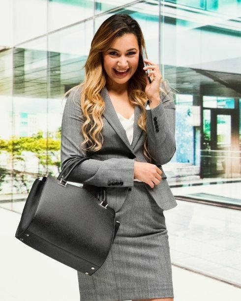 女商人,垂直画幅,半身像,经理,仅成年人,现代,青年人,专业人员,公司企业,商务
