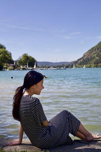 法国,一个人,旅途,环境,全球通讯,女人,著名景点,青年女人,仅一个青年女人,地球形