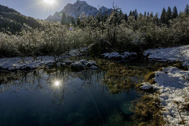 julian alps,戈雷尼,冬天,阿尔卑斯山脉,斯洛文尼亚,欧洲,泉,白昼,水,留白