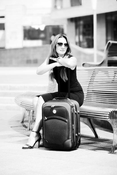 女人,旅游目的地,鞋子,黑白图片,人类居住地,酒店,等,黑色连衣裙,欧洲,注射
