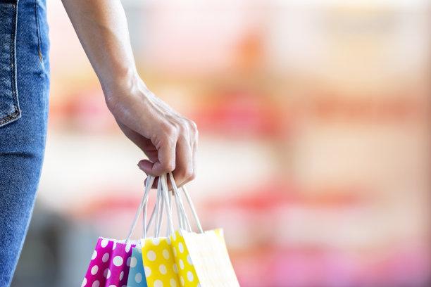 购物中心,女人,拿着,多色的,纸袋,黑色星期五,水平画幅,商店,仅成年人,市场营销