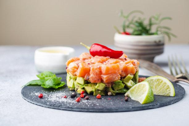 三文鱼沙拉图片