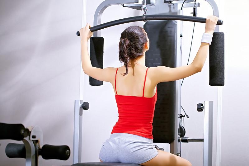 身体关注,女孩,健身课程,运动竞赛,休闲活动,努力,仅成年人,举重训练,青年人,运动
