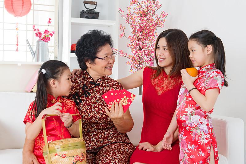 春节,住宅内部,家庭,旗袍,学龄前,东亚,马来西亚人,居住区,中年人,儿童