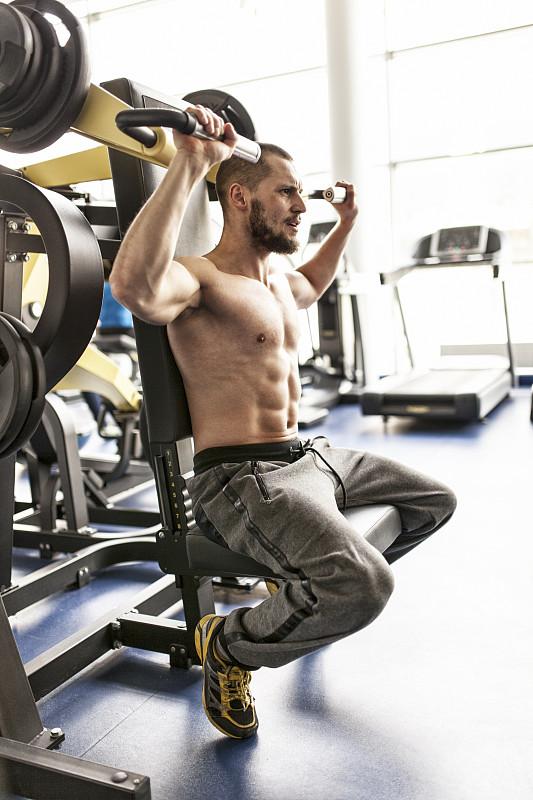 健身房,三角肌,垂直画幅,躯干,重的,运动竞赛,健康,男性,仅男人,仅成年人