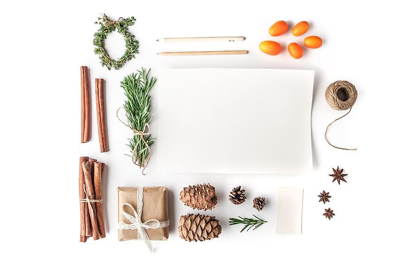 水平画幅,白色背景,圣诞卡,创造力,新年,线绳,白色,花边,新年前夕,冬天