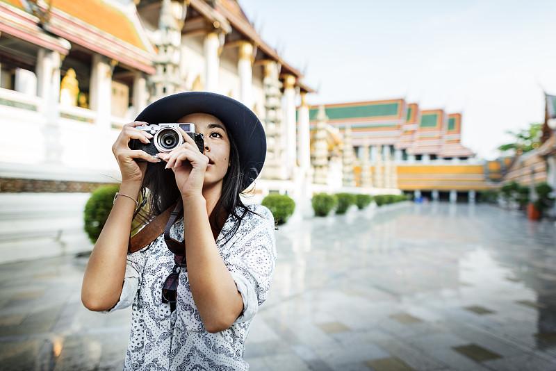 旅行者,业余爱好,摄影师,移动式,概念,休闲活动,水平画幅,户外,仅成年人,技术