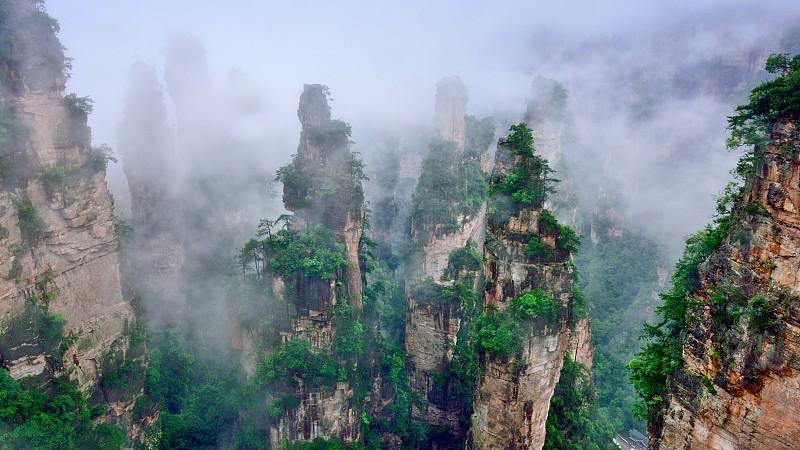 雨,雾,山顶,武陵源,拼块地形,张家界,湖南省,天空,水平画幅,无人