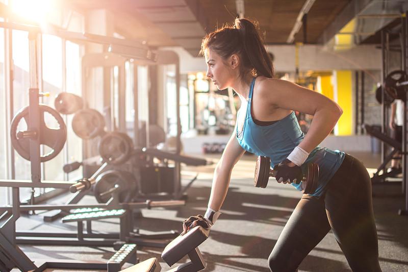 健身房,女孩,运动竞赛,美,水平画幅,形状,提举,美人,人类肌肉,白人