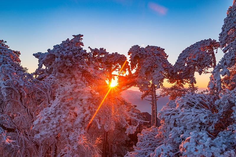黄山山脉,冬天,地形,安徽省,霜,王冠,天空,水平画幅,圣诞节,雪