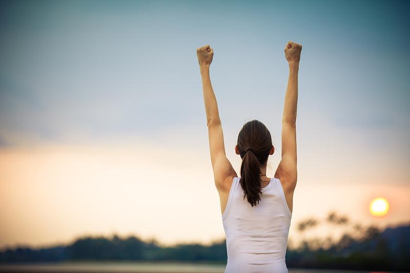 打破纪录,信心,高举手臂,力量,获奖者,无忧无虑,运动,快乐,幸福