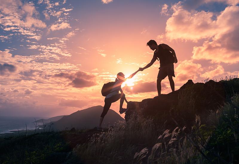 徒步旅行,山,背包族,克服困难,援助之手,山顶,动机,在上面,非凡的,团队