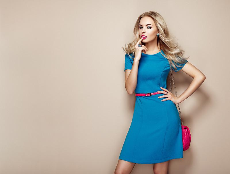 金色头发,蓝色,高雅,青年女人,太阳裙,连衣裙,时装模特,红发人,时尚