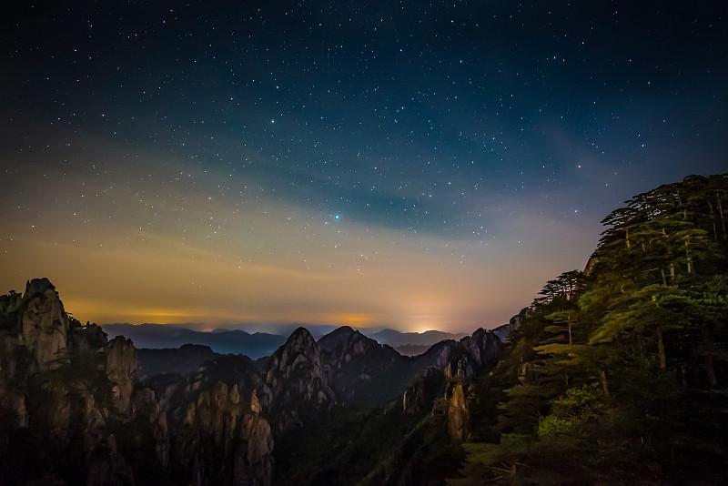 黄山山脉,夜晚,中国,松科,松树,美,留白,旅游目的地,水平画幅,云