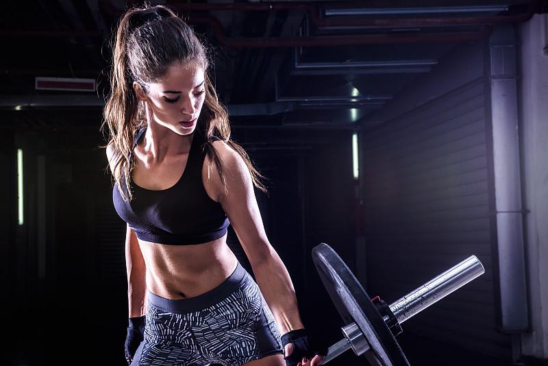 砝码,青年人,美,健身设备,重的,水平画幅,力量举重,运动员,仅成年人