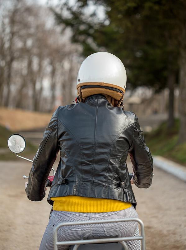 小型摩托车,女孩,垂直画幅,古老的,过去,复古风格,成年的,塞尔维亚,儿童,发动机