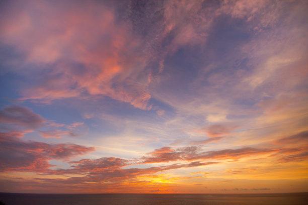 黄昏天空云层