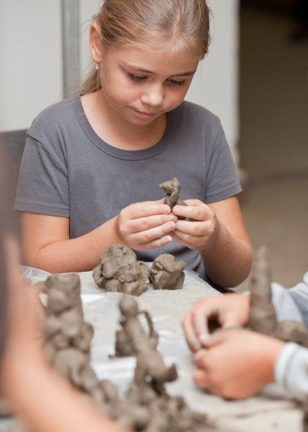 桌子女孩儿童游戏陶土