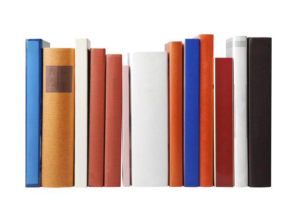 排列整齐的书白色背景