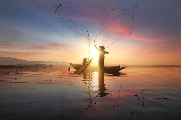 渔夫水天空