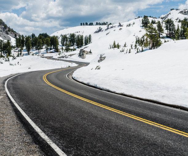 冬天北美山路