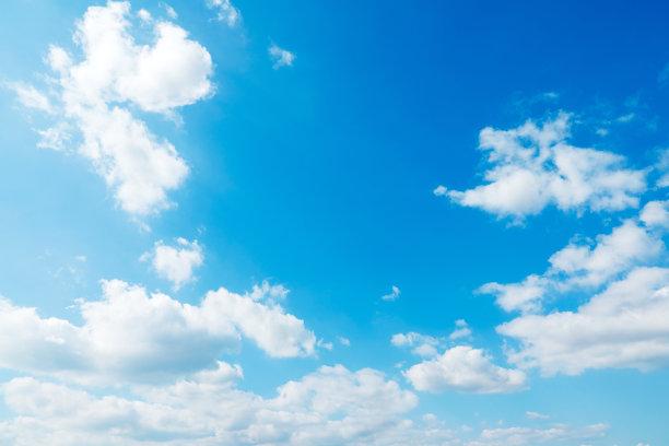 蓝色天空白云