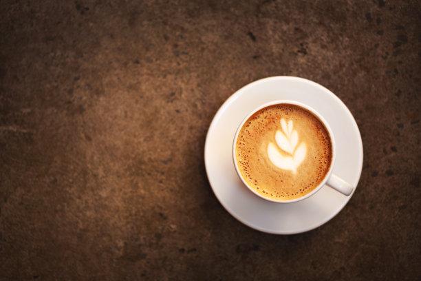 杯卡布奇诺咖啡褐色