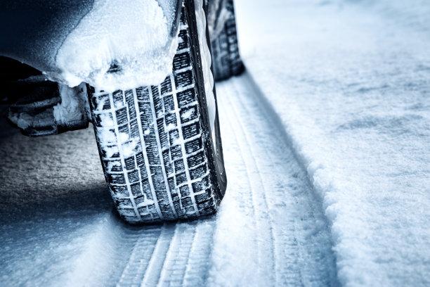 汽车轮胎痕迹