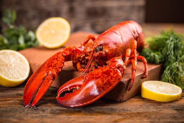 煮熟了的大龙虾