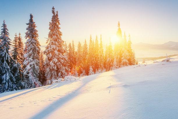 冬天雪山清晨